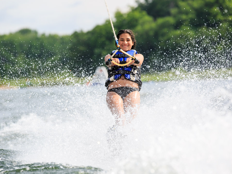 waterskiing-girl