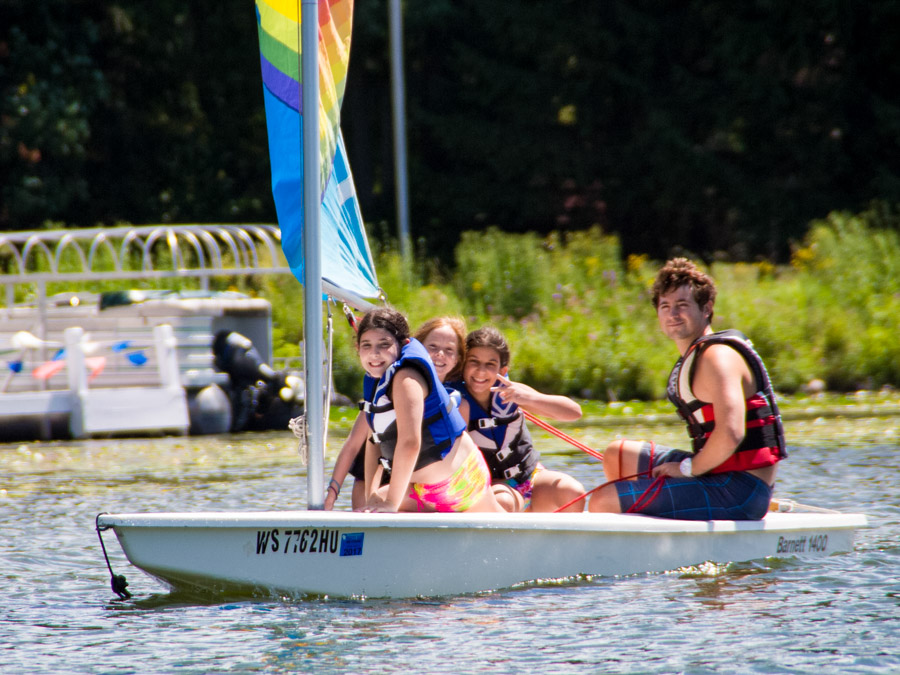 campers-boating